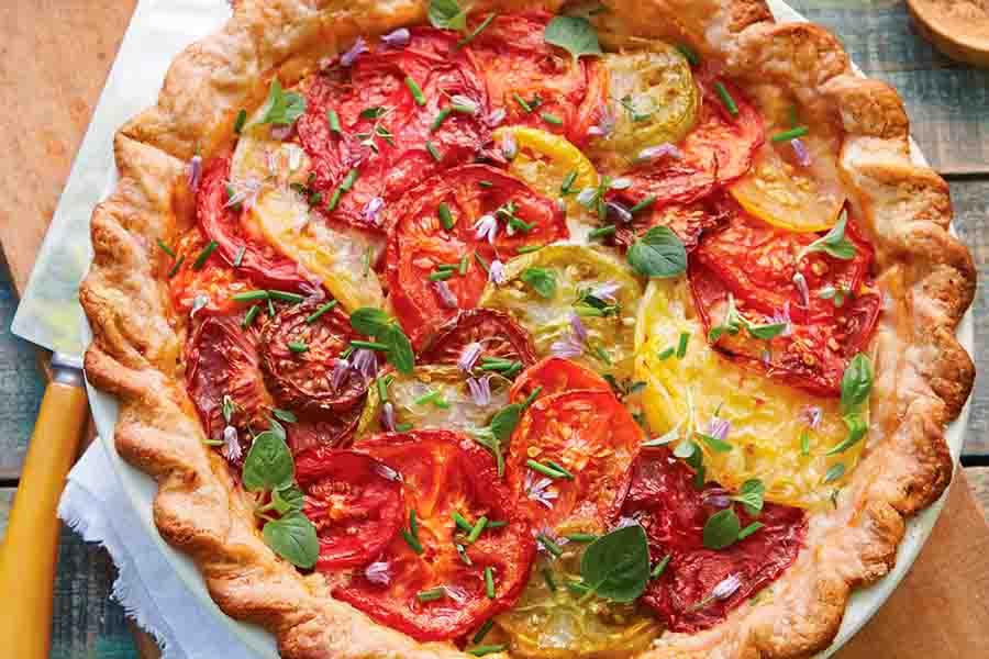 https://www.myrecipes.com/recipe/tomato-pie-fresh-corn-herbs